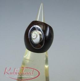 Ring aus Holz mit Operculum in 925 Silber Verzierung