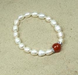 Perlen Armband aus Zuchtperlen in weiß mit Carneol ca. 8 mm / ca. 19 cm
