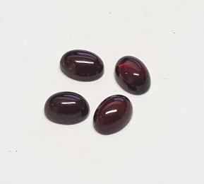 5 x Grant  Cabochon oval ca. 5 x 7 mm / ca. 1,0-1,2 ct. / stück