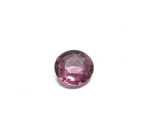 Spinell aus Burma / Myanmar facettiert ca. 9,8 mm / ca. 2,95 ct.