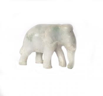Elefant aus Jade ( Jadeit ) ca.60 x 80 mm / ca. 240 Gramm