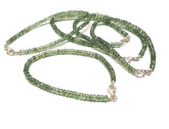 grüner ApatitA-Qualität Buttonarmbandfac. ca.4-5 mm / ca. 20 cm mit Silberkarabiner - Sonderposten
