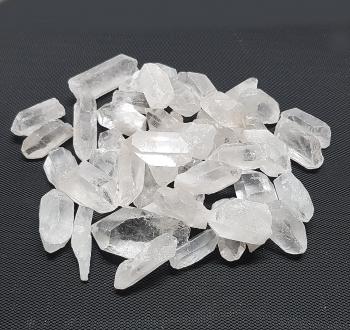 Bergkristall - Spitzen natur ca. 2 bis 5 cmaus Brasilien- ca. 1000 gr.