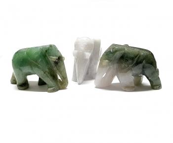 Elefant aus Jade ( Jadeit ) Größe L ca. 50 x 30 mm