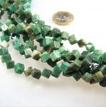Afrika - Jade Würfelstrang diagonal ca. 6 mm / 40 cm