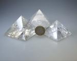 Bergkristall Pyramiden ca. 60 - 69 gramm/ st. ca. 37-43 mm