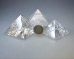 Bergkristall Pyramiden ca. 90 - 99 gramm/ st. ca. 47 - 52 mm
