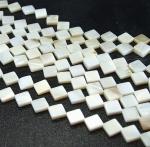Perlmutt Quadratstrang diagonal ca. 8 x 8 mm / ca. 40 cm