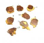 Boulderopal Anhänger mit Rinde an Öse Gr. M ca. 30-35 mm