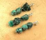 Smaragd Anhänger mit drei Steinen in Draht gefasst ca. 60-75 mm