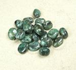 gebohrte Smaragd Trommelsteine aus Brasilien - 20 st. / Bohrung 1,2 mm