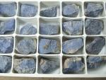 Dumortierit Rohsteine im 24er Set aus Mosambik / ca. 30 bis 40 mm