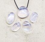 5er Set Angel Aura - Bergkristall gebohrter Trommelstein - mit Silber bedampft