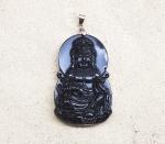 Guan Shi Yin Anhänger aus Obsidian an Öse ca. 70 x 36 mm