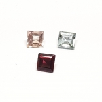 3 x Spinell aus Burma / Myanmar Quadrat facettiert ca. 5,5/ 5,7  mm / ca. 2,70 ct. Gesamtgewicht
