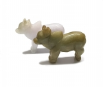 Rind - Tiergravur aus Jade ( Jadeit ) ca. 40 x 30 mm