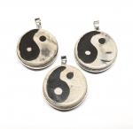 Yin & Yang Anhänger Antik gefasst aus Achat ca. 43 x 32 mm