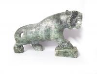Tiger aus Jade ( Jadeit ) ca.160 x 105 mm / ca. 1080 Gramm