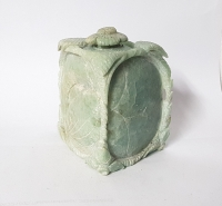 Topf - Gravur aus Jadeit - Jade ca. 90 x 80 x 50 mm ca. 550 gr. - Einzelstück