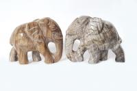 großer Elefant - Tiergravur aus versteinertem Holz ca. 180-200 Gramm / ca. 61x76x38 mm