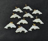 10 x Delphin - Anhänger ca. 21x29 mm aus Perlmutt mit Stiftöse