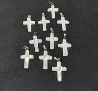 10 x Kreuz - Anhänger ca. 28x15 mm aus Perlmutt mit Stiftöse