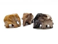 Elefant aus versteinertem Holz Größe L ca. 50 x 30 mm