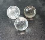 Bergkristall A Kugeln 500 Gramm von 29-36 mm / 9-10 Stück - Sonderposten