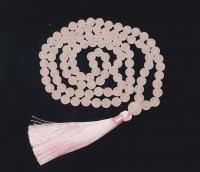 Mala aus Rosenquarz mattiert 108 Perlen ca. 8 mm geknotet / ca. 97 cm
